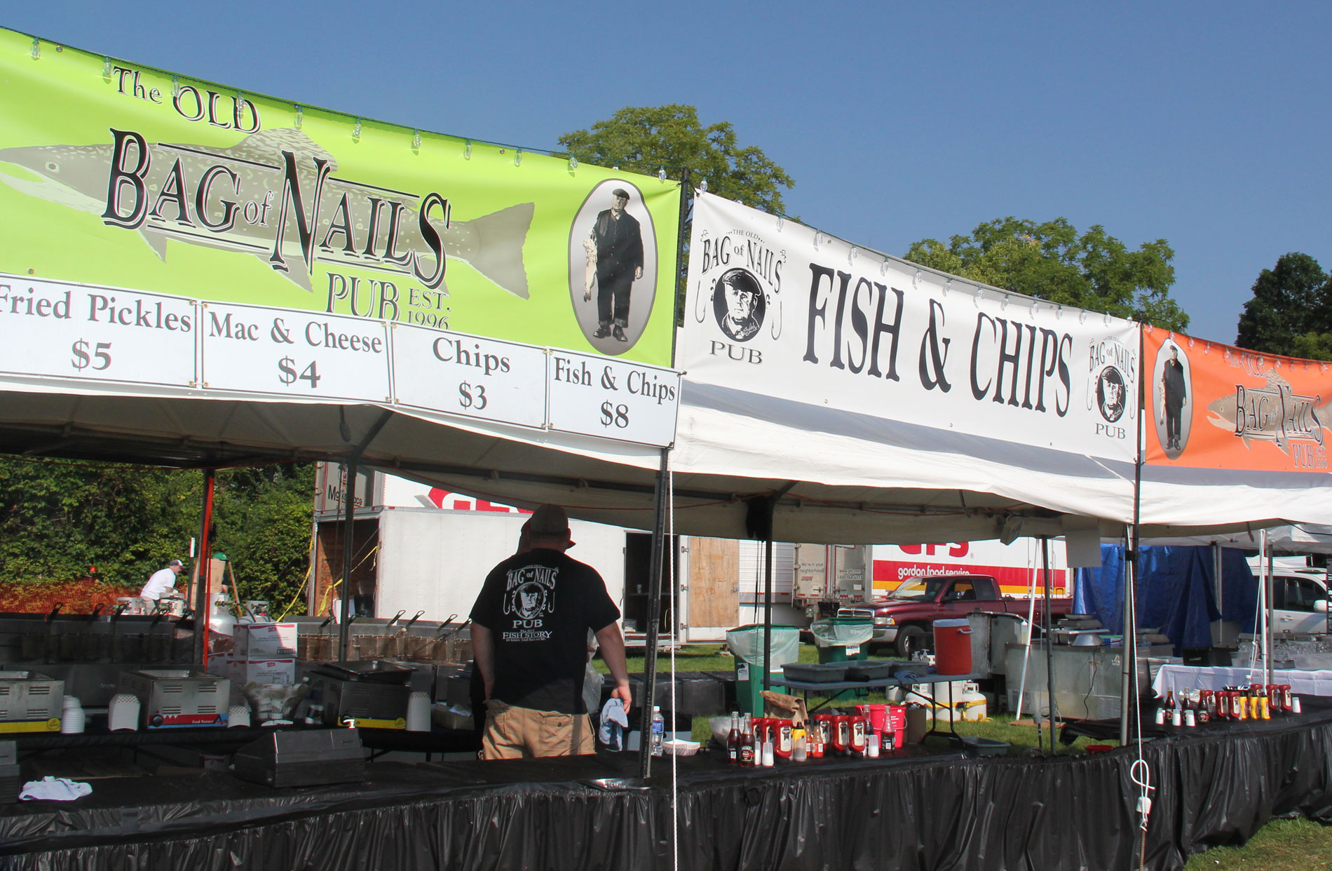 how to get food vendors for an event
